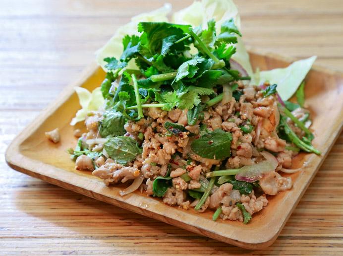 ラープガイ(鶏ひき肉のサラダ)